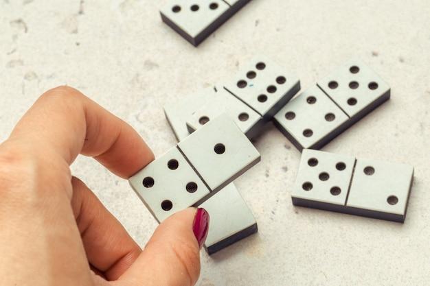 Gros plan du jeu de domino
