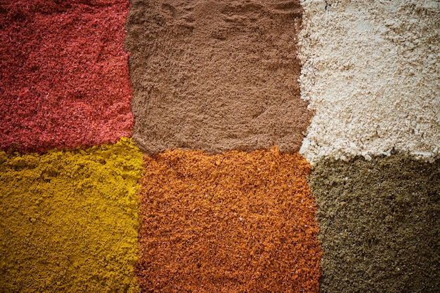 Gros plan du mélange d'épices en poudre