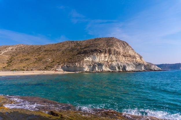 Gros plan du parc naturel de cabo de gata-nijar en andalousie, espagne