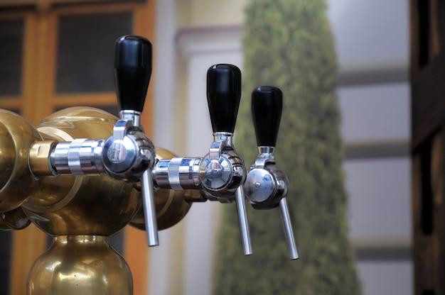 Gros plan du robinet de bière