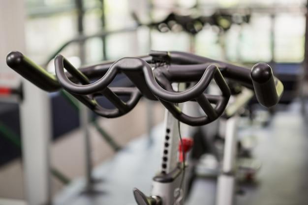 Gros plan du vélo d'exercice