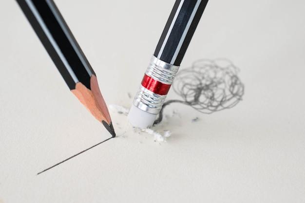 Gros plan, effacer, crayon, effacer, ligne, et, gros plan, aiguisé