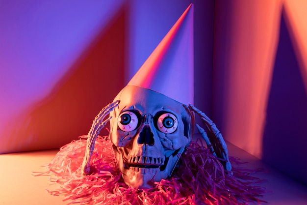 Gros plan, effrayant, squelette halloween, à, confettis
