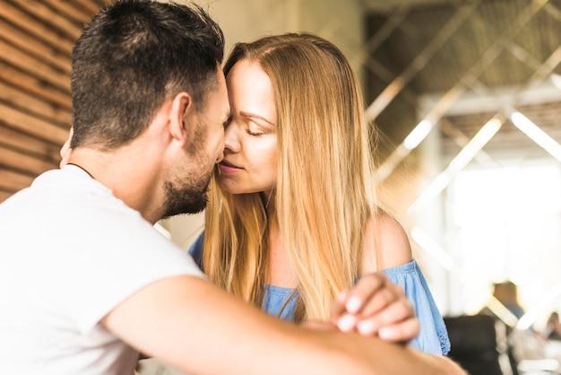 Gros plan, embrasser, couple