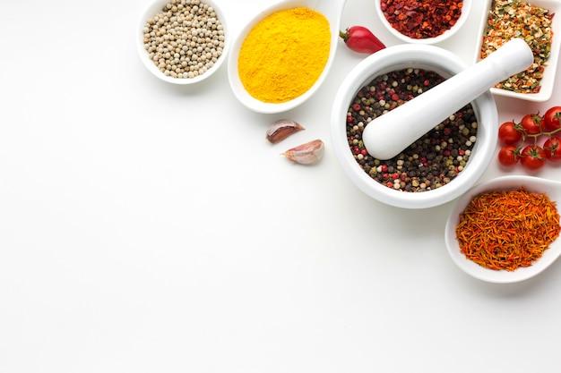 Gros plan, épices, condiments, sur, table