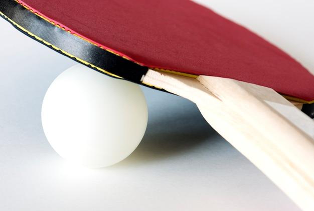 Gros plan de l'équipement de tennis de table