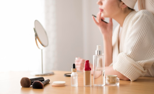 Gros plan, femme, lèvre, maquillage
