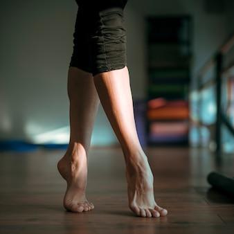 Gros plan, femme, pieds, danseur