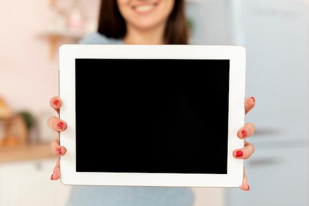 Gros plan, femme, tenue, tablette
