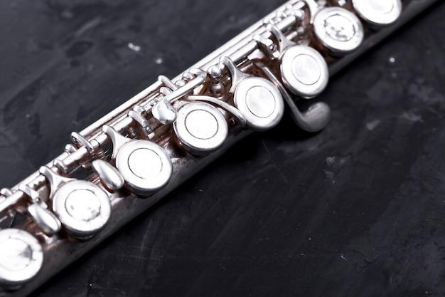 Gros plan, flûte métal