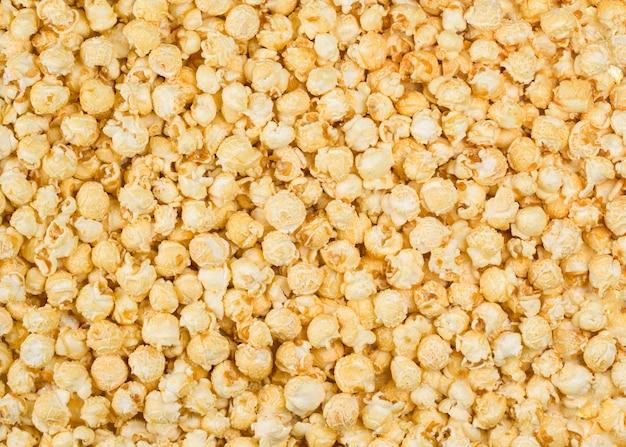 Gros plan fond de pop-corn au caramel
