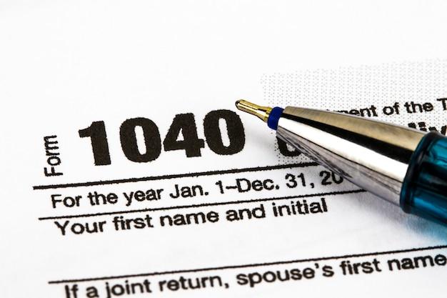 Gros plan sur le formulaire d'impôt sur le revenu américain 1040.