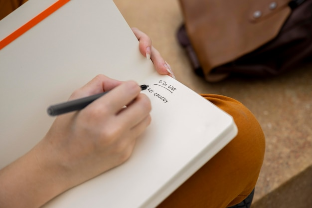 Gros plan, girl, écriture, dans, journal