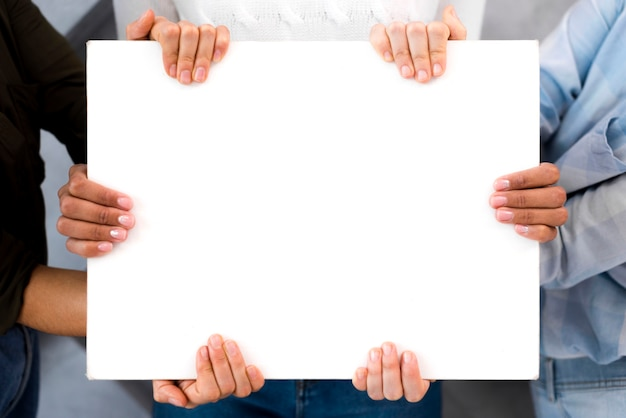 Gros plan, groupe, femmes, tenue, signe