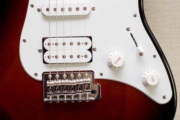 Gros plan de la guitare électrique