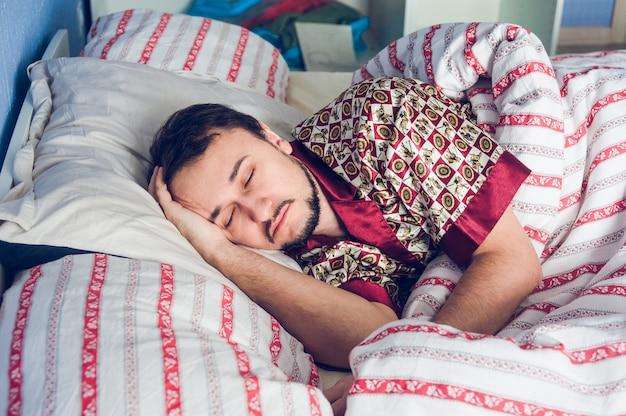 Gros plan, homme, dormir