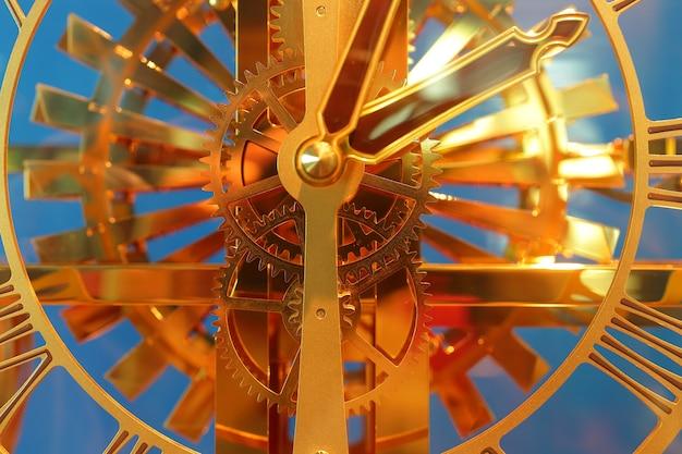 Gros plan de l'horloge vintage. sélectionnez focus à engrenages
