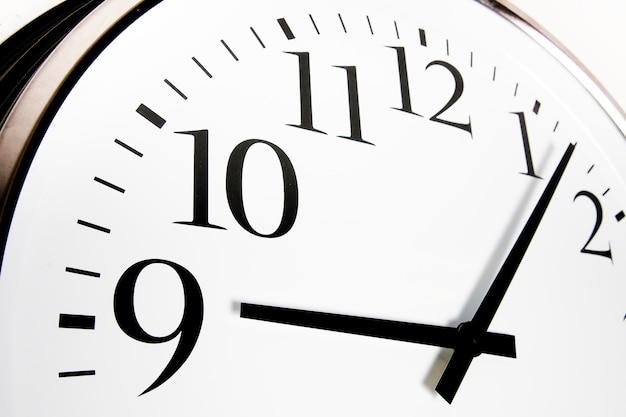 Gros plan de l'horloge