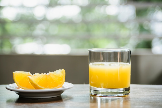 Gros plan, de, jus de lime frais, dans, verre