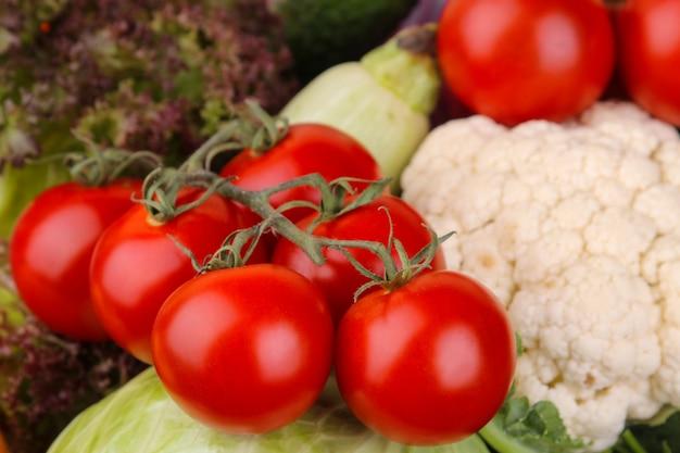 Gros plan de légumes sains