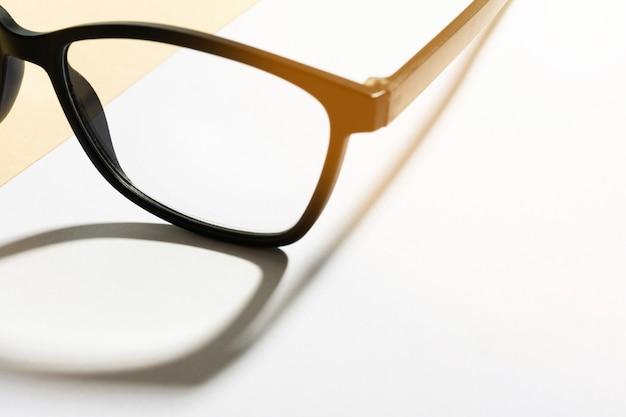 Gros plan, lunettes, plastique, monture
