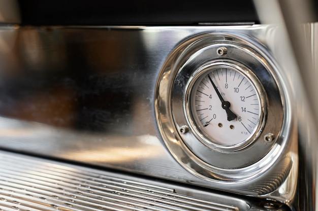 Gros plan machine à café minuterie