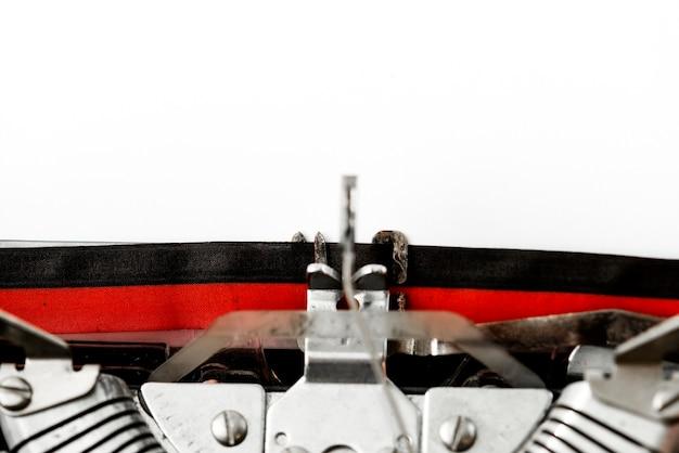 Gros plan d'une machine à écrire rétro