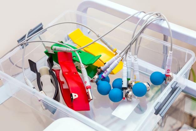 Gros plan machine ekg pour patient à l'hôpital