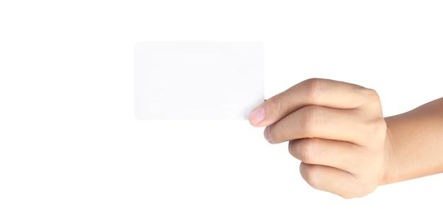 Gros plan de la main tenant la carte virtuelle avec. carte de crédit en main isolée
