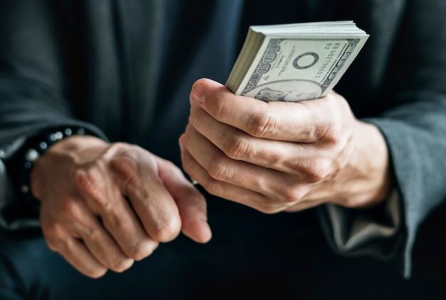 Gros plan, mains, tenue, argent comptant