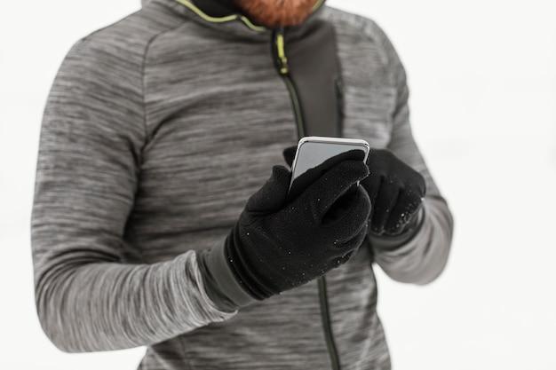 Gros plan, mains, tenue, smartphone