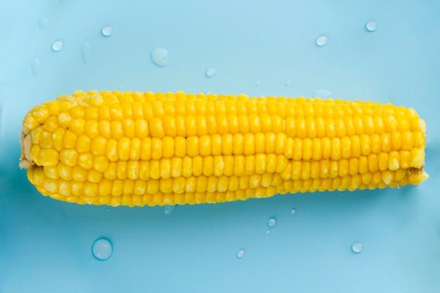 Gros plan, maïs, à, gouttes eau
