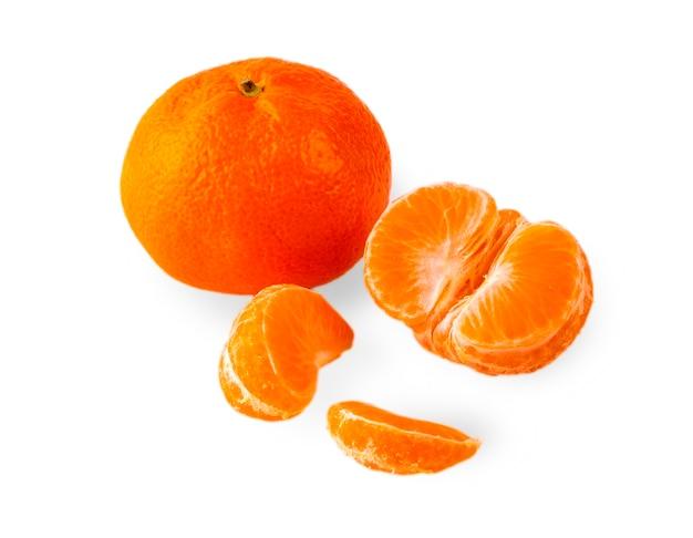 Gros plan de mandarines mûres. mandarines avec des feuilles.