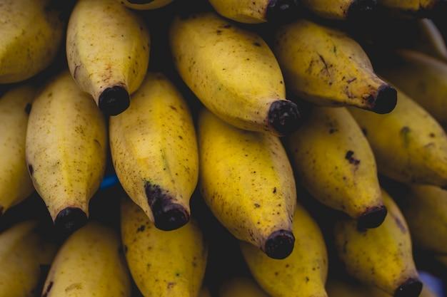 Gros plan des mini bananes