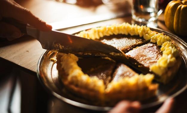Gros plan de nourriture lors d'un dîner de vacances