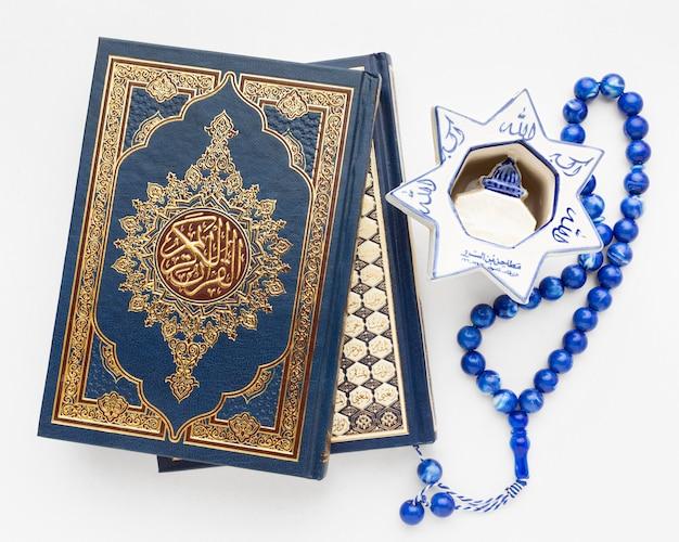 Gros plan, nouvel an islamique, concept, à, livre coran