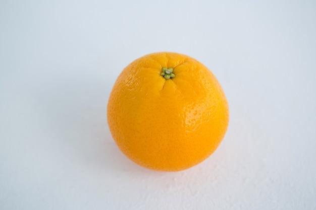 Gros plan, de, orange, contre, blanc, surface