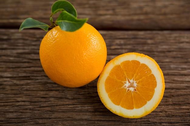 Gros plan, de, oranges, sur, table bois