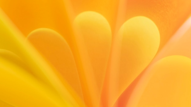 Gros plan de papier courbe jaune