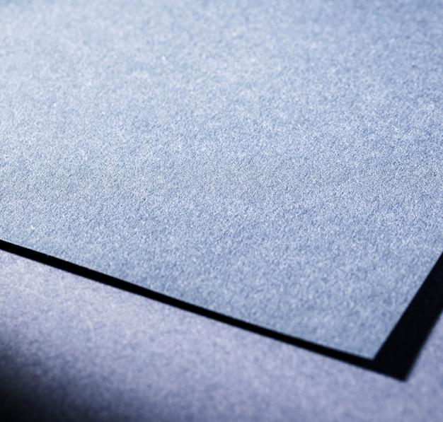 Gros plan de papier texturé bleu