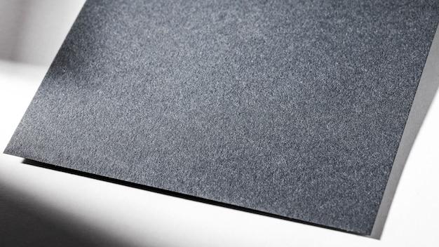 Gros plan de papier texturé gris