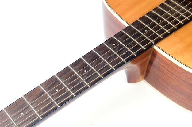 Gros Plan Sur Une Partie De Guitare, Isolé Sur Blanc Photo Premium