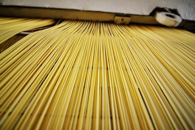 Gros plan de pâtes et spaghettis