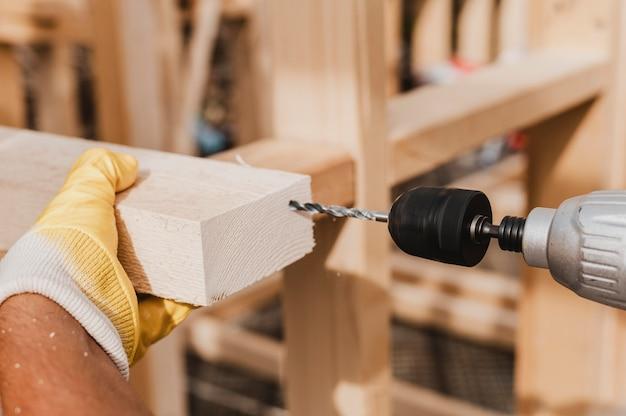 Gros plan, personne, tenue, a, marteau perforateur