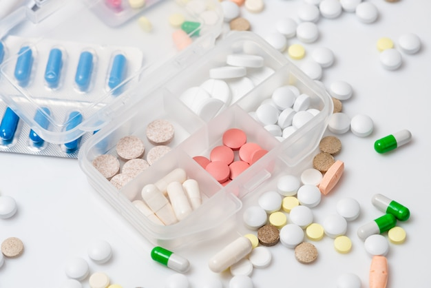 Gros plan, pilule, cas, divers, médicaments
