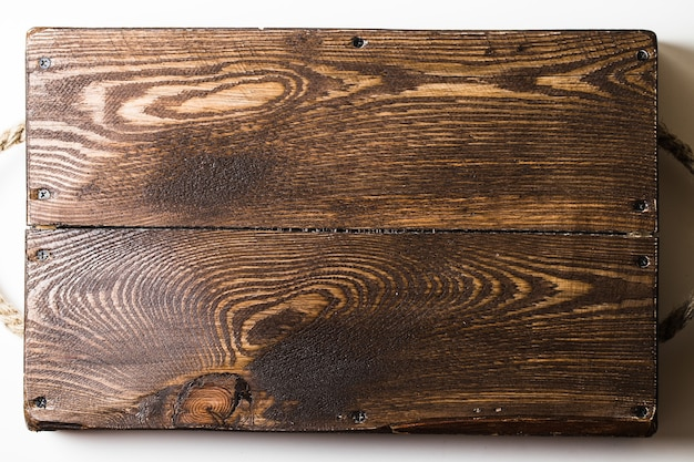 Un gros plan d'un plateau en bois