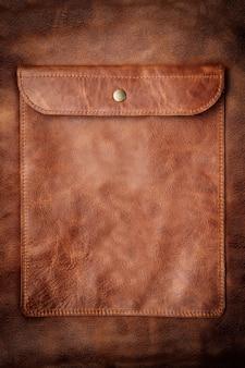 Gros plan sur une poche en cuir avec effet vignette
