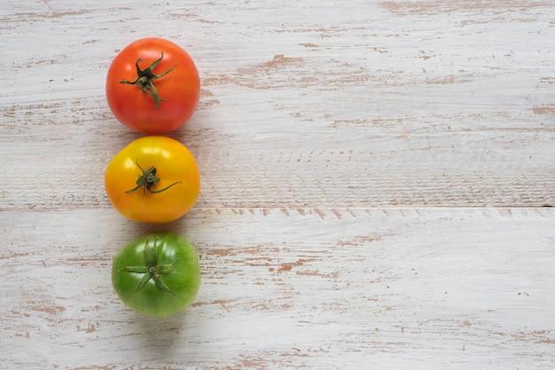 Gros plan, rouges, jaune, vert, tomates, copie, espace