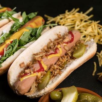Gros plan de savoureux hot-dog de restauration rapide