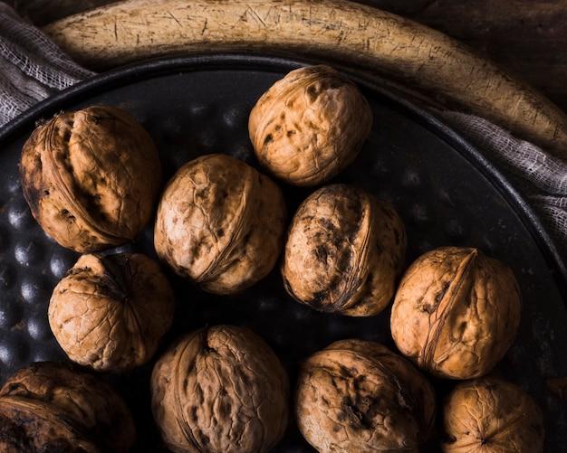 Gros plan savoureux noix biologiques
